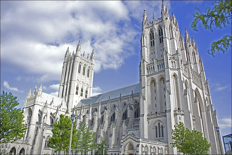 קובץ:National Cathedral in DC.jpg