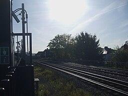 North Harrow stn fast tracks look east