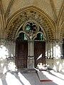 Noyon (60), cathédrale Notre-Dame, cloître, galerie ouest, porte du réfectoire - salle capitulaire.jpg