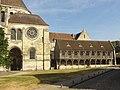 Noyon (60), cathédrale Notre-Dame, salle du trésor et bibliothèque du chapitre.jpg