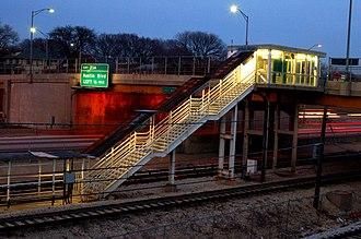 Oak Park station (CTA Blue Line) - Image: Oak Park Blue Line Staircase