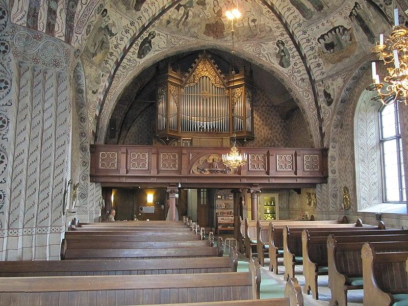 Odensala kyrka int02.jpg