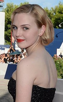 Odessa Young Venice 2016 (cropped).jpg