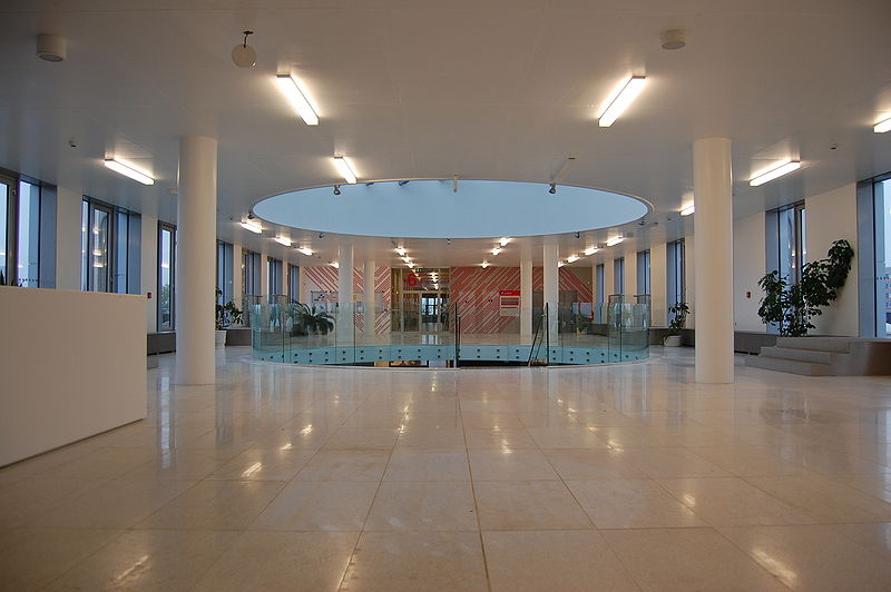File:Přírodovědecká fakulta - 6. patro, Univerzita Palackého, Olomouc.jpg