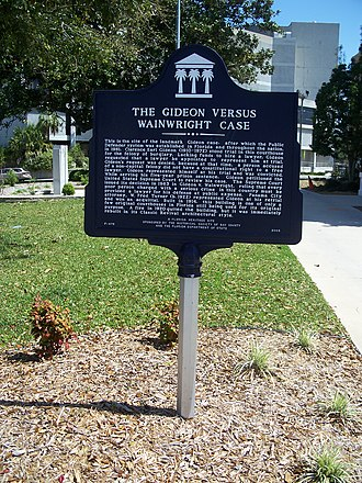 Bay County Courthouse (Florida) - Gideon v. Wainwright historic marker on courthouse grounds