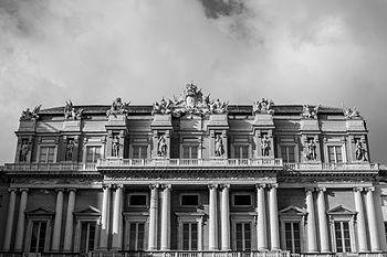 Palazzo Ducale di Genova,visto da Piazza Matteotti.jpg