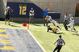 2014 UCLA Bruins football team - Image: Paul Perkins dives into end zone
