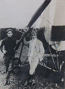 Perotti (mecânico) e Luiz Bergmann da Escola Paranaense de Aviação..JPG