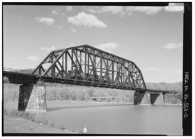 Perspective view of truss span, looking NE. - Pennsylvania Railroad, West Brownsville Junction Bridge, Spanning Monongahela River, north of U.S. Route 40 Bridge, West Brownsville, HAER PA,63-BROVW,1-2.tif