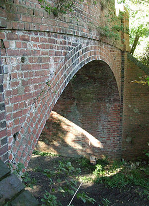 Piddington, Northamptonshire - Image: Piddington Railway Bridge
