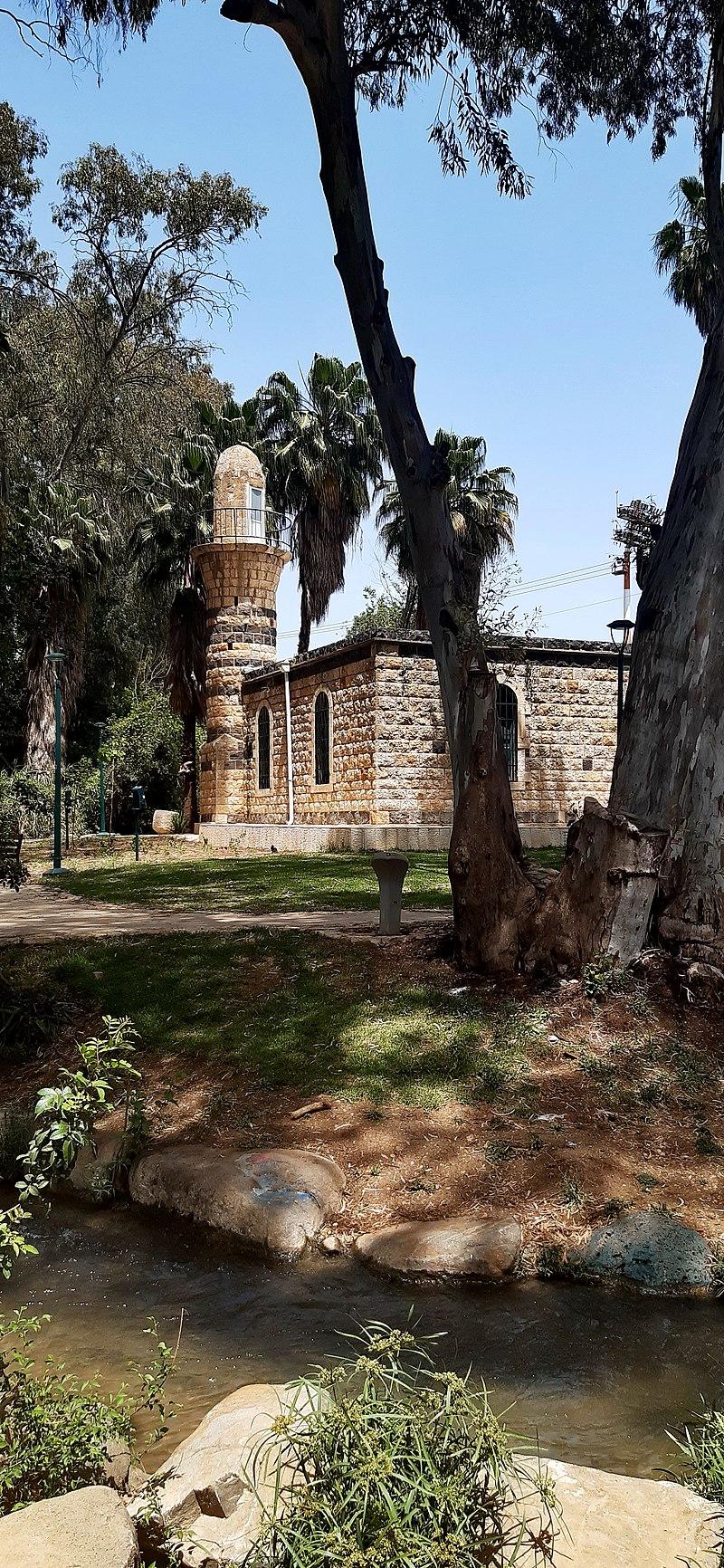 מסגד אל חאלצה חלסה בקרית שמונה