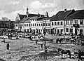 Place du vieux marché - centre du quartier juif.jpg