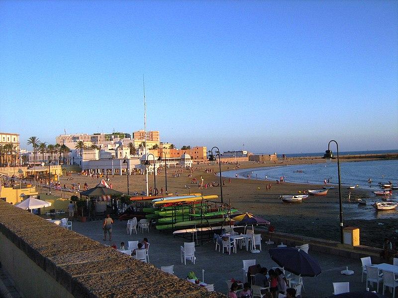 File:Playa de la Caleta en Cádiz - panoramio.jpg