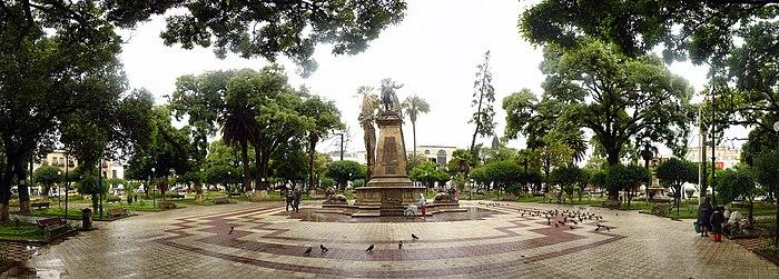 Plaza de Armas de Sucre Décembre 2007 - Panorama Équirectangulaire.jpg