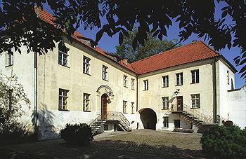 Polski: Pałac zwany ZamkiemEnglish: Palace