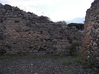 Pompeii building 4.jpg
