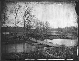Pontoon bridge across Blackburn's Ford, Bull Run, Va - NARA - 524853.jpg