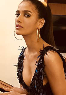 Poonam Pandey before the red carpet at the Femina Miss India 2018 (1).jpg