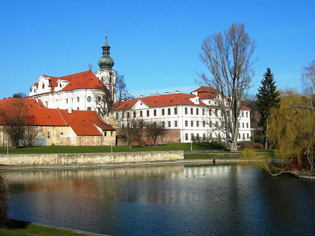 Praha Břevnov monastery from SE DSCN0284