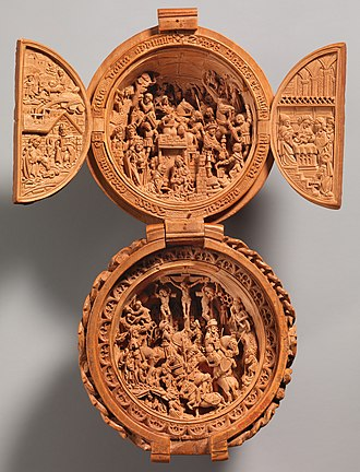 """Gothic boxwood miniature - """"Prayer Bead with the Adoration of the Magi and the Crucifixion"""", South Netherlandish. 1500–1510. Height (open): 11.2 cm. The Cloisters, New York"""