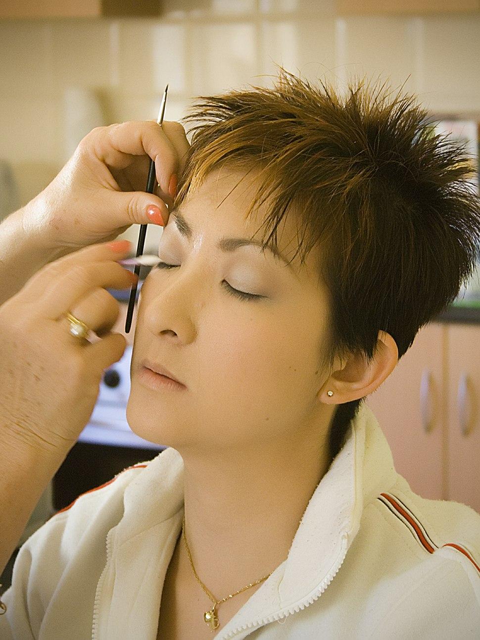 Pre-wedding make-up