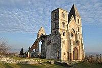 Premontrei prépostsági templom romja (7623. számú műemlék).jpg