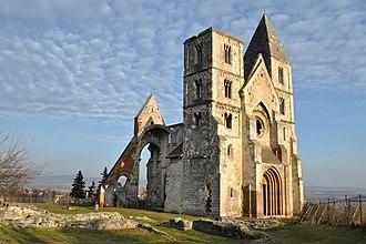 Zsámbék - Ruin of the Zsámbék Premontre monastery church