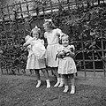 Prinses Beatrix, prinses Irene met prinses Christina in haar armen en prinses Ma, Bestanddeelnr 255-7424.jpg