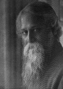 Rabindrinath Tagore portrait photo, circa 1922.jpg