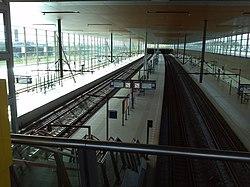 Railway station Barendrecht 2011.jpg