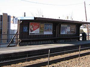 Ravenswood station - Image: Ravenswood metra