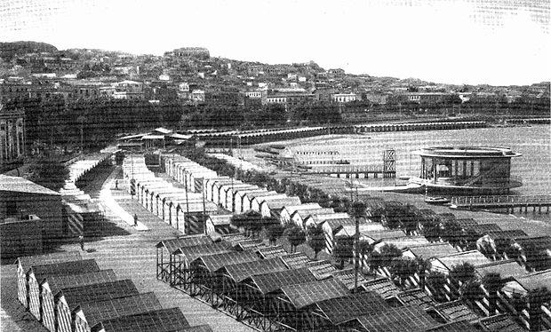 Una panoramica del fronte a mare cittadino visto dal lido Zerbi.