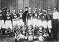 Reprezentacja Polski podczas meczu piłki nożnej Polska – Turcja w Łodzi w 1924.jpg