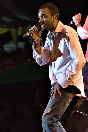 Rikrok - Rikrok performing with Shaggy in December 2007.