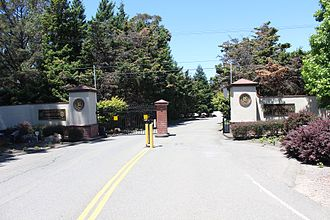 Richmond Country Club - Richmond Country Club front gate
