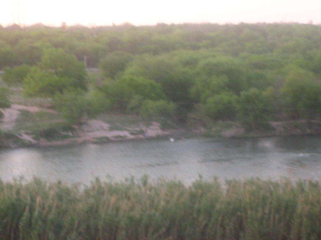 File Rio Grande River In Eagle Pass Tx Img 2083 Jpg