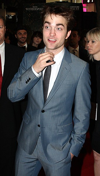 File:Robert Pattinson 2011, 2.jpg