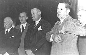 Rodolfo Freude - Freude (second from the left) with Juan Perón