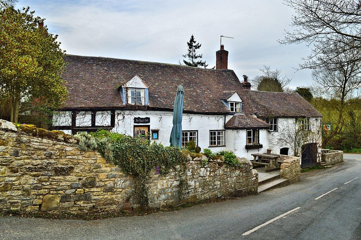 Royal Oak, Cardington.jpg