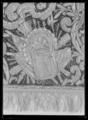 Sadeltäcke ur en serie av sex (6042-6047) tillhörande drottning Kristinas kröningskaross med trofémotiv - Livrustkammaren - 53358.tif
