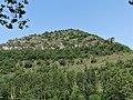 Saint-Rome-de-Tarn rochers au-dessus D73 près du pont.jpg