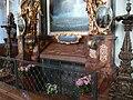 Salzburg St Peter Rupertusgrab 01.jpg