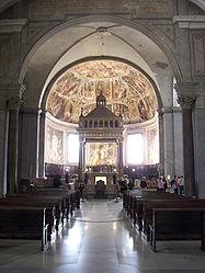 San Pietro in Vincoli altar.jpg