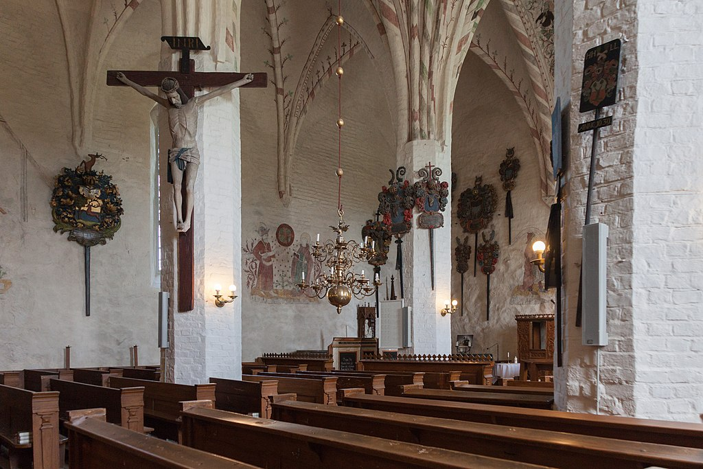 Sauvon kirkko sisäkuva.jpg