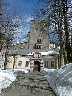 Schloss Ringberg april 2009.jpg