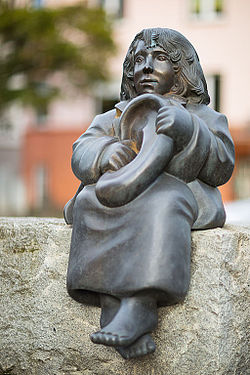 Sculpture Momo Ulrike Enders Michael-Ende-Platz Hanover Germany.jpg