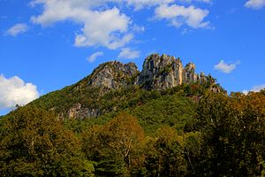 Fin (geology) - Image: Seneca Rocks by Asilverstein Oct 2013 High Dynamic Range Merge from 7 Exposures