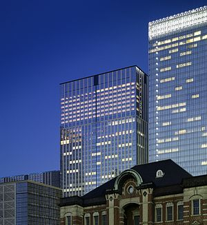 Shangri-La Hotel, Tokyo - The Shangri-La Hotel, Tokyo, with Tokyo Station in the foreground