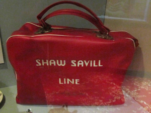 Shaw Savill Line holdall, Merseyside Maritime Museum.png