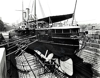 Edgar-class cruiser - The stern of HMS Royal Arthur while drydocked in Sydney.